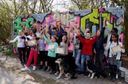 Hip Hop Academy 2016 - Die Teilnehmenden der Academy mit ihren Zertifikaten.