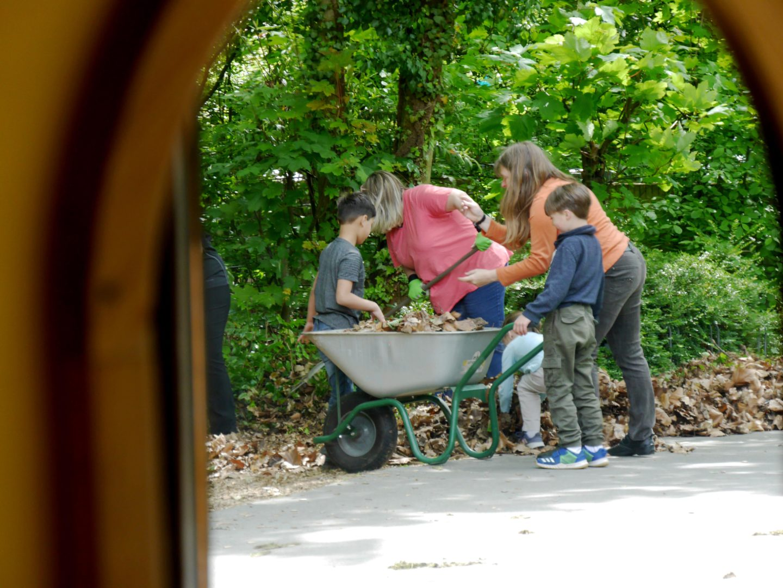 Gartenarbeiten Kinderhaus am Buegel (18)
