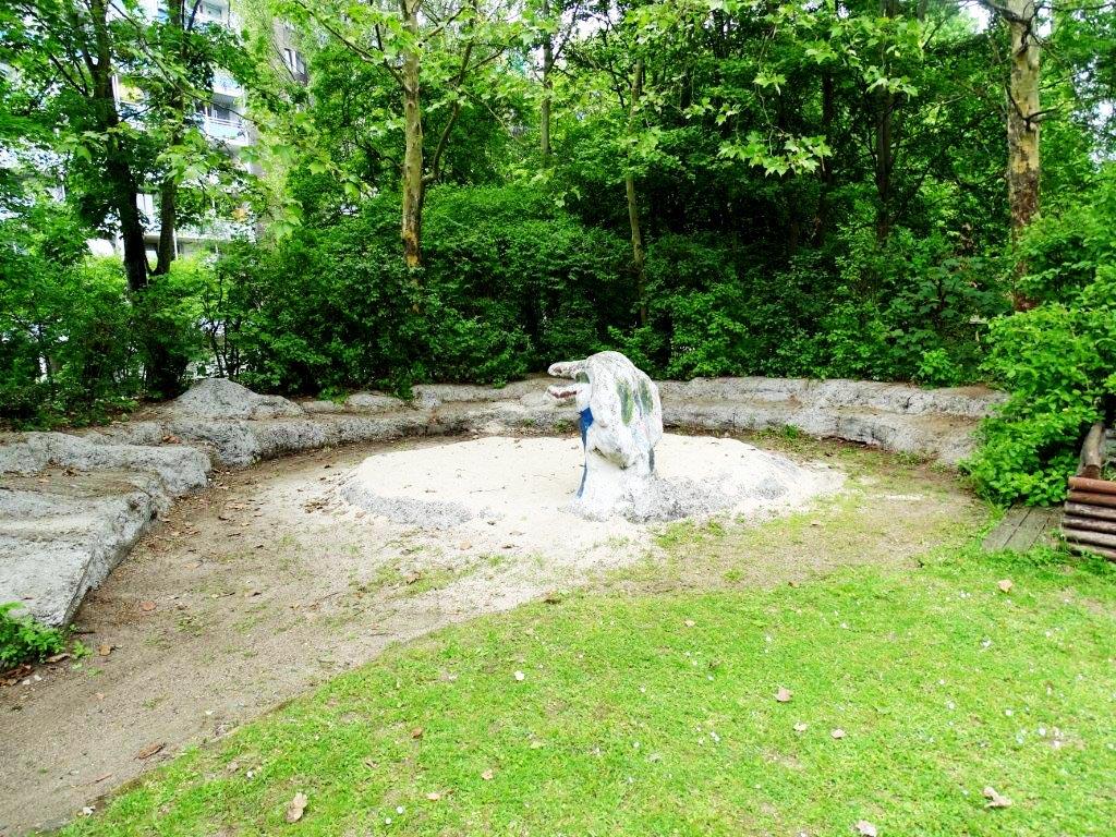 Gartenarbeiten Kinderhaus am Buegel (29)
