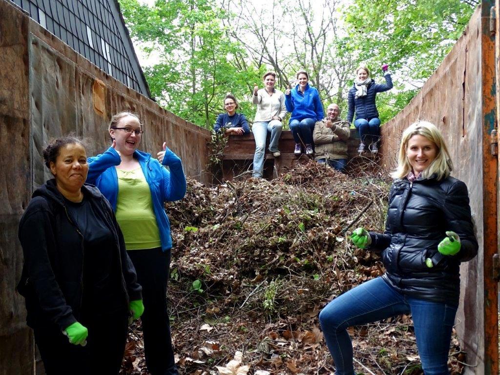 Gartenarbeiten Kinderhaus am Buegel (31)